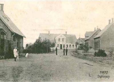 Farre Kro og stationen